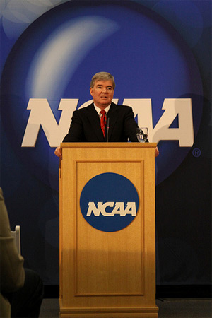$2000 NCAA Athletic Scholarship Increase on Hold until January